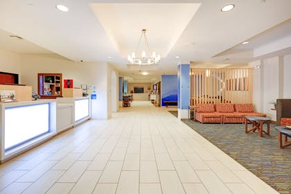 Lobby | Holiday Inn Express Hotel & Suites Burleson/Ft. Worth