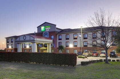 Exterior | Holiday Inn Express Hotel & Suites Burleson/Ft. Worth