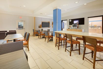 Restaurant | Holiday Inn Express Hotel & Suites Burleson/Ft. Worth