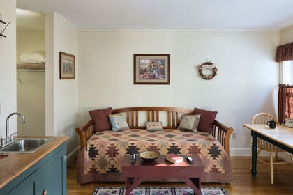 Living Area | The Country Inn at Camden Rockport