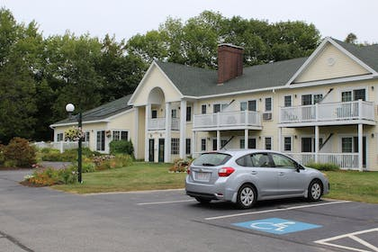 Parking | The Country Inn at Camden Rockport