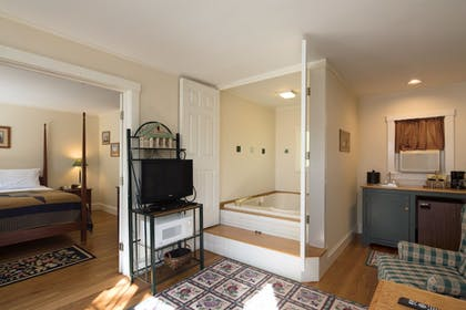 Jetted Tub | The Country Inn at Camden Rockport