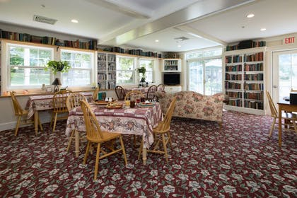 Breakfast Area | The Country Inn at Camden Rockport