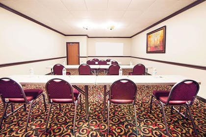 Meeting Facility | Super 8 by Wyndham Lubbock TX
