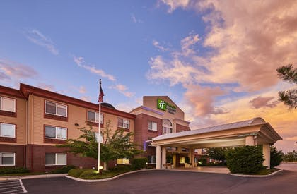 Exterior | Holiday Inn Express Hotel & Suites Medford-Central Point