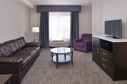 Living Area | Best Western Plus Hotel At The Convention Center