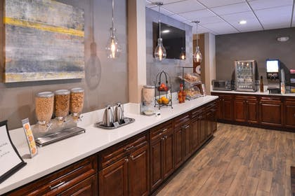 Breakfast Area | Best Western Plus Hotel At The Convention Center