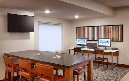 Business Center | Holiday Inn Express Hotel & Suites El Paso I-10 East