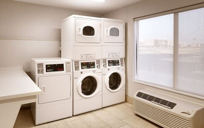 Laundry Room | Holiday Inn Express Hotel & Suites El Paso I-10 East