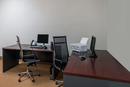 Business Center | Wingate by Wyndham Bowling Green