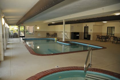 Indoor Pool | Wingate by Wyndham Bowling Green