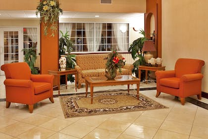Lobby | Holiday Inn Express Hotel & Suites Spring Hill