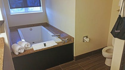 Deep Soaking Bathtub | Cherry Tree Inn & Suites