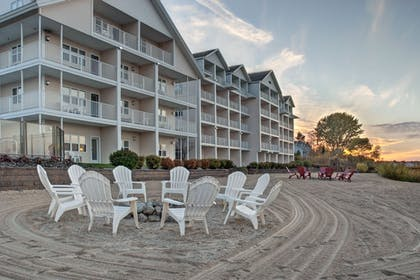 Beach | Cherry Tree Inn & Suites