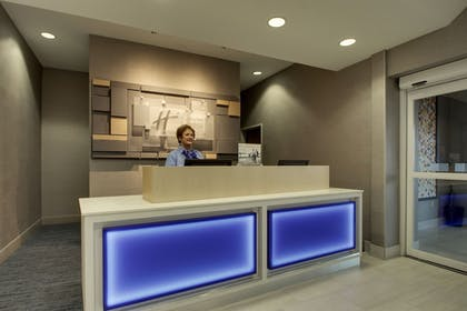 Lobby | Holiday Inn Express Hotel & Suites Vernon College Area