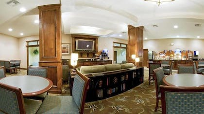 Breakfast Area | Holiday Inn Express Hotel & Suites Vernon College Area