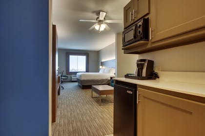 Guestroom | Holiday Inn Express Hotel & Suites Vernon College Area