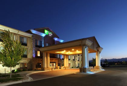 Exterior | Holiday Inn Express Hotel & Suites Longmont