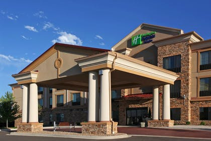 Featured Image | Holiday Inn Express Hotel & Suites Longmont