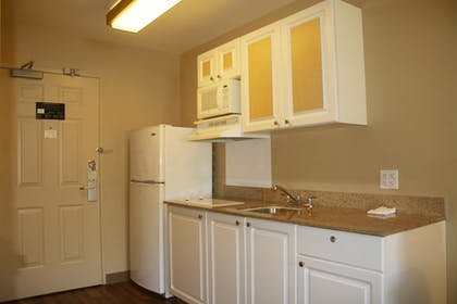 In-Room Kitchen | Extended Stay America San Rafael - Francisco Boulevard East