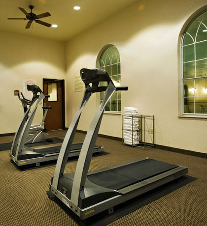 Fitness Facility | Holiday Inn Express & Suites Levelland