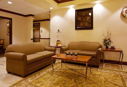 Lobby | Holiday Inn Express & Suites Levelland