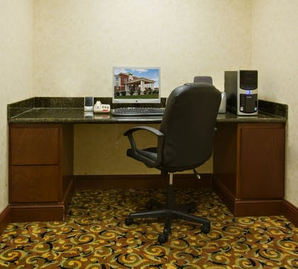 Business Center | Holiday Inn Express & Suites Levelland