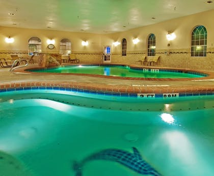 Pool | Holiday Inn Express & Suites Levelland