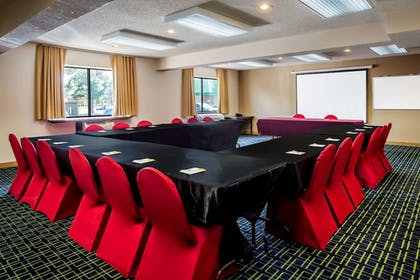 Meeting Facility | Days Inn & Suites by Wyndham Stevens Point