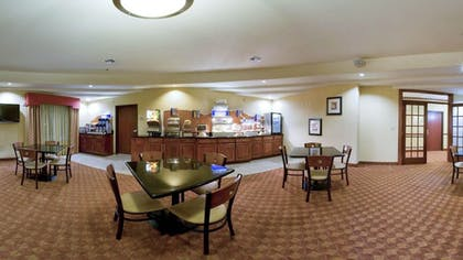 Breakfast Area | Holiday Inn Express Sweetwater