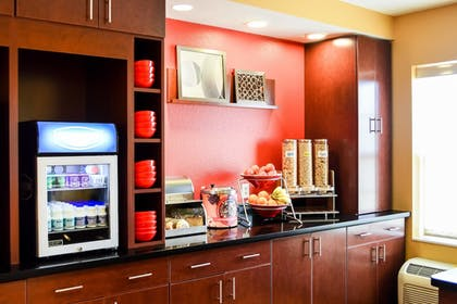 Restaurant | TownePlace Suites by Marriott Quantico Stafford