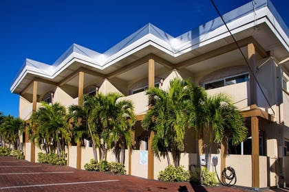 Hotel Front | Bay Palms Waterfront Resort - Hotel and Marina