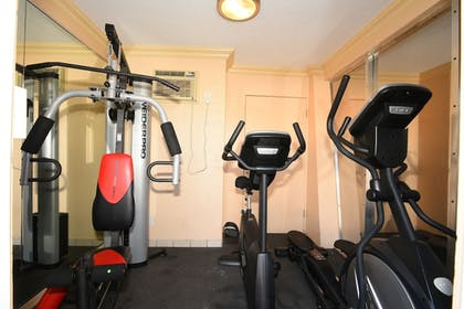 Fitness Facility | Bay Palms Waterfront Resort - Hotel and Marina