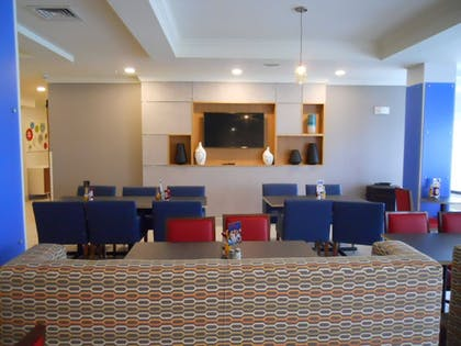 Restaurant | Holiday Inn Express Bethlehem Airport - Allentown Area