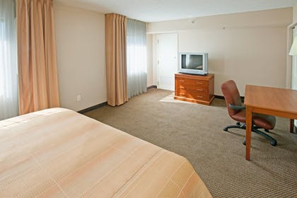 Guestroom | Candlewood Suites Indianapolis Downtown Medical District
