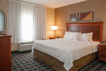 Guestroom | TownePlace Suites Marriott South