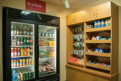 Snack Bar | TownePlace Suites Marriott South