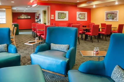 Lobby | TownePlace Suites Marriott South