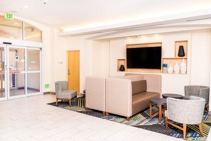 Lobby | Holiday Inn Express & Suites Las Vegas SW - Spring Valley