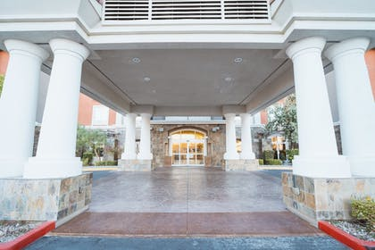 Hotel Entrance | Holiday Inn Express & Suites Las Vegas SW - Spring Valley