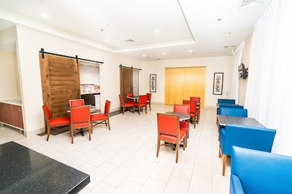 Restaurant | Holiday Inn Express & Suites Las Vegas SW - Spring Valley