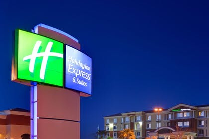 Hotel Front - Evening/Night | Holiday Inn Express & Suites Las Vegas SW - Spring Valley