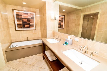 Guestroom | Holiday Inn Express & Suites Las Vegas SW - Spring Valley