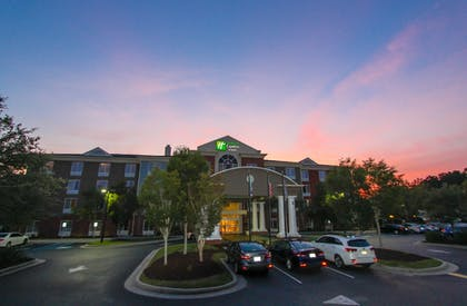 Exterior | Holiday Inn Express Hotel & Suites Charleston-North
