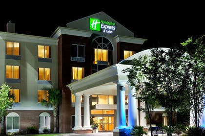 Featured Image | Holiday Inn Express Hotel & Suites Charleston-North