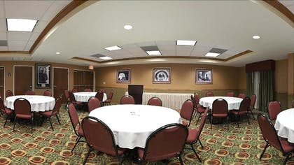 Banquet Hall | Holiday Inn Express Hotel & Suites Charleston-North