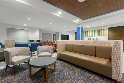 Lobby | Holiday Inn Express Hotel & Suites Eugene Downtown-Universty