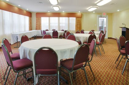 Meeting Facility | Holiday Inn Express Leesville