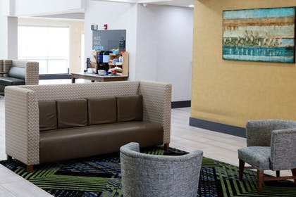 Lobby | Holiday Inn Express & Suites Columbia-Fort Jackson