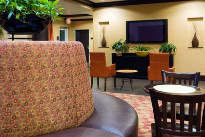 Restaurant | Holiday Inn Express & Suites Columbia-Fort Jackson
